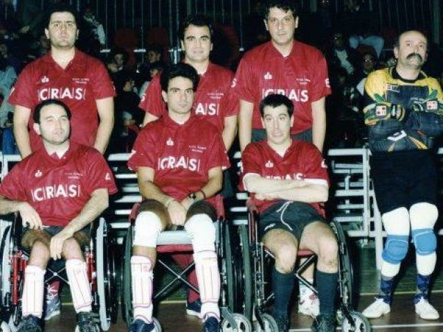 Da sx a dx: Gianfranco Gargano (spingitore) e Antonio Pellegrino, Giovanni Barbarisi (spingitore) e Antonio D'Urso, Stefano Testa (spingitore) e Silvio Cammarota, Raimondo Crescenzo (portiere)