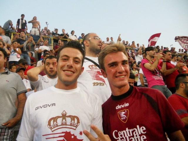 Luca Scafuri e Corrado Barbarisi in Curva Sud durante un Salernitana - Lazio 0-3 dell'estate 2012