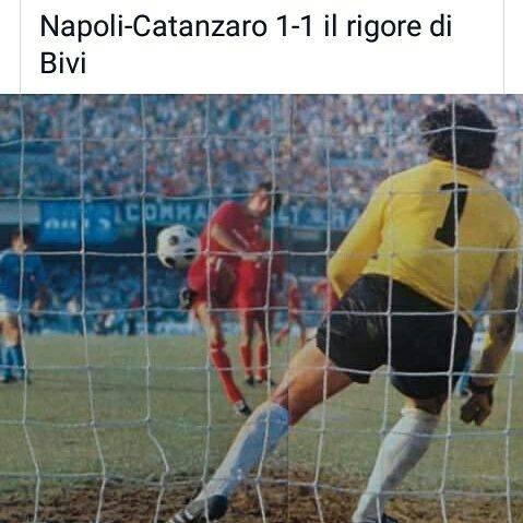 Gol di Edi Bivi a Castellini in Napoli Catanzaro
